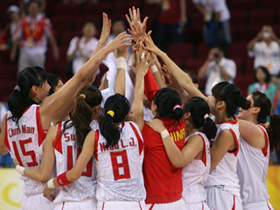 China advances to Olympic women's baskeball semi