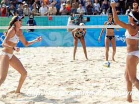 US beats Brazil in beach volleyball semifinal