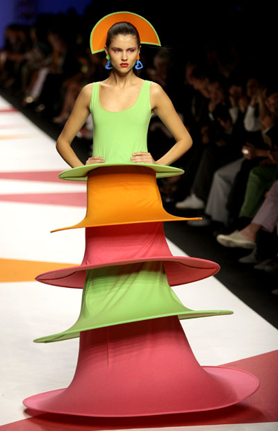agatha ruiz de la prada at milan fashion week. Black Bedroom Furniture Sets. Home Design Ideas