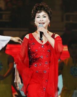 Singer Li Guyi
