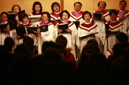 Christmas Drives Chinese People To Churches China Org Cn