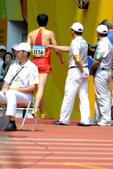 Liu Xiang quits men's 110m hurdles on August 18, 2008 at Beijing Olympic Games.