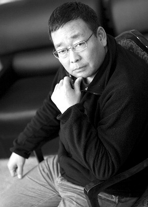 Zhang Xiaoli a 46 year-old website manager and freelance photographer from Luoyang, has been elected to Luoyang Municipal Committee of the National People's Congress (NPC), raising hopes that voices of more ordinary citizens will be heard at this year's Congress, the Beijing News reported on February 19.