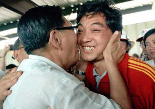Xu Haifeng won China's first Olympic gold medal at the 23rd Olympic Games.