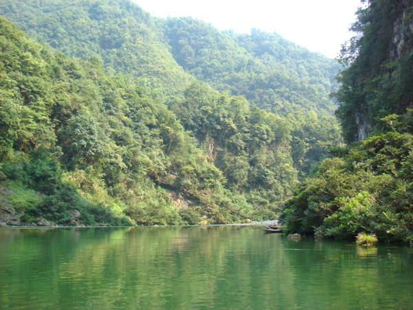 The photo taken on September 7, 2009, shows a scene along the Mengdong River. [Photo: CRIENGLISH.com/ Duan Xuelian]