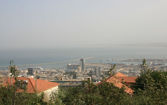 Panoramic view of Haifa, a port city in northern Israel [Pang Li/China.org.cn]