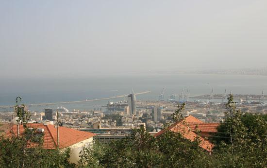 Panoramic view of Haifa, a port city in northern Israel [Pang Li/China.org.cn]