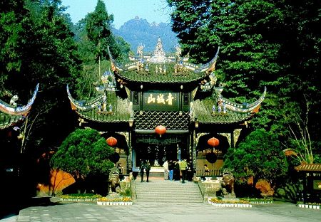 Mt. Qingcheng, known as one of the five most famous Taoist mountains of China, is one of the places where Taoism came into being located in Dujiangyan, Sichuan Province. With the snow-covered Mingshan Mountain in the background and the Chuanxi Plains in front, Mt. Qingcheng has 36 peaks covered with thick forests of trees and bamboo, 72 caves and 108 scenic spots. [Globaltimes.cn]