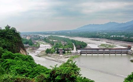 The Dujiangyan Region has a beautiful landscape and many cultural relics and historical sites, including Fulong Temple, Erwang Temple, and the trail bridge. The Dujiangyan irrigation system was built on the Minjiang River at the foot of Yulei Mountain, northwest of Dujiangyan City in Sichuan Province. After joining many tributary rivers in the upper reaches, the Minjiang River runs toward the Chengdu Plains. The ancient Dujiangyan Irrigation System is unique and a scientific marvel. [Globaltimes.cn] 