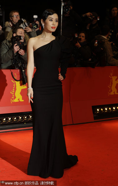 berlin film festival opens with chinese family movie