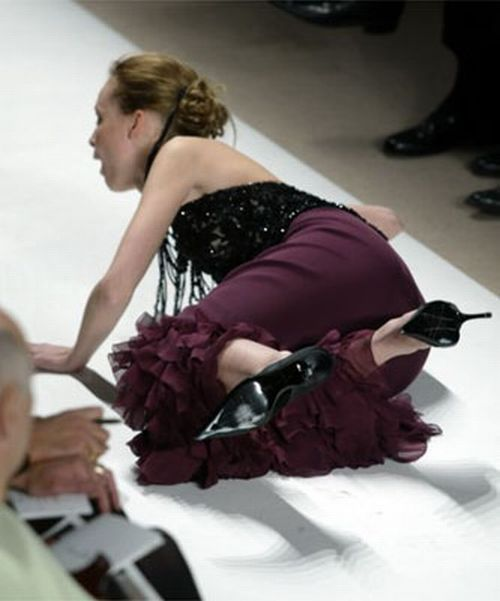 times wearing heels embarrassing middle mall fall down in heels