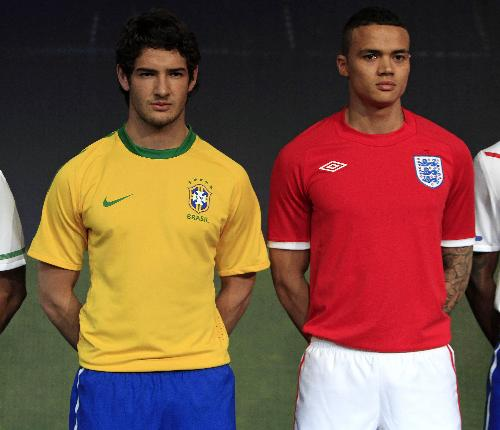 3ceae19d188 2010 World Cup kits unveiled in London - China.org.cn