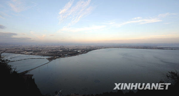 Photo taken on January 20, 2010 shows Dianchi, the largest freshwater lake in Yunnan Province.
