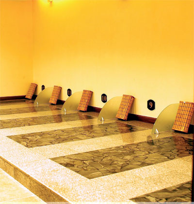 Relax yourself this spa rocks lava rocks china rock on these stone stabs await your relaxation photo courtesy of trendy stone solutioingenieria Gallery