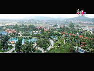 Qingyuan is a city in Guangdong Province with a metropolitan population of 1.6 million. The city is located 64 kilometers from the provincial capital of Guangzhou. Surrounded by mountains, Qingyuan's landscape includes hot springs, caves, forests and rivers. [Photo by Qingyuan Tourist Administration]