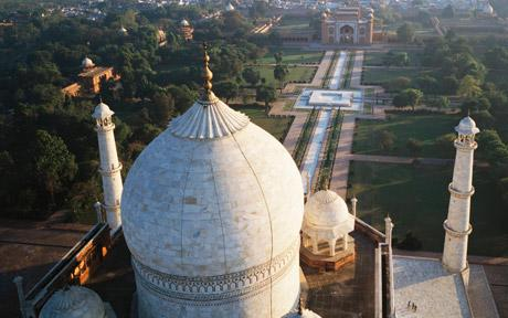 Nicholas Chorier, a kite photography expert, is casting new light on famous buildings, such as the Taj Mahal and Udaipur City Palace, the Daily Telegraph reported. The 47-year-old French photographer makes his own kites using siliconized nylon and carbon sticks, and ties his image equipment in a small cradle dangling from the kite.