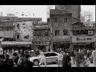 Shenzhen's Dongmen Commercial Street in 1994. [QQ.com]