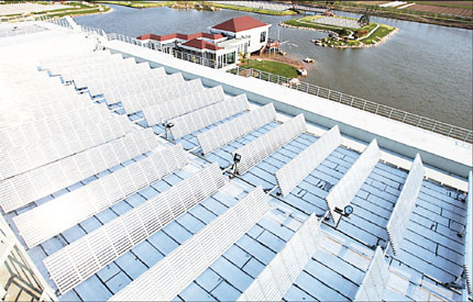 Although the solar energy industry has developed rapidly and China is one of the main producers of the world's solar panels, the use of solar energy in Shanghai is still exceedingly low. [Shanghai Daily]