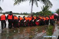 Trapped people in Hainan transfered to safe areas