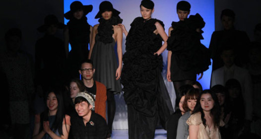 Green fashion show staged at Expo's Zero-carbon Pavilion