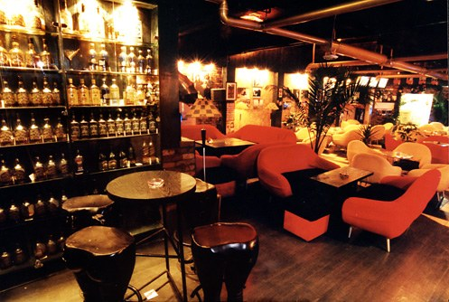 1970 Bar is located in another famous bar street of Yinchuan- Jiancai Lane.