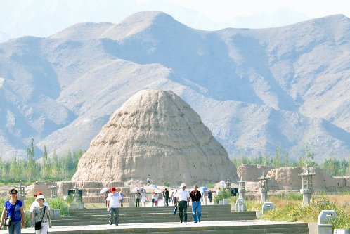 Western Xia Tombs were the royal tombs of the Western Xia State about 800 year ago.