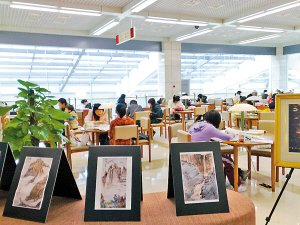 Hangzhou Library has permitted full and free access to the public -- including beggars -- since 2003.