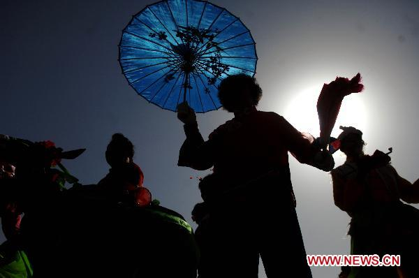 Shehuo performed outdoors during Lantern Festival