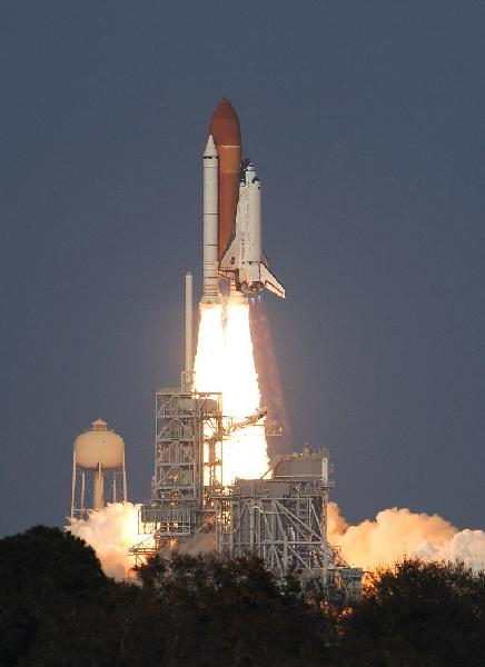 U.S. shuttle Discovery lifts off for final voyage - China ...