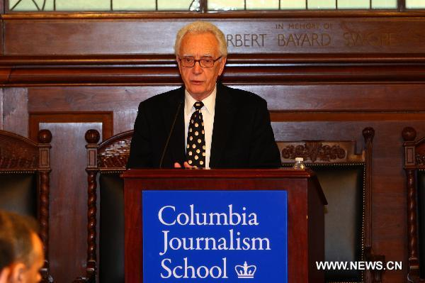 Sig Gissler, administrator of the Pulitzer Prizes, announces the results of the 95th annual Pulitzer Prizes in Journalism, Letters, Drama and Music at the Columbia University in New York, the United States, April 18, 2011. [Wu Kaixiang/Xinhua]
