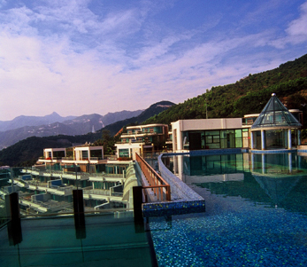Tianqin Bay,one of the 'Top 10 most luxurious houses in China 2011' by China.org.cn