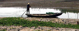 C. China suffers prolonged drought‎