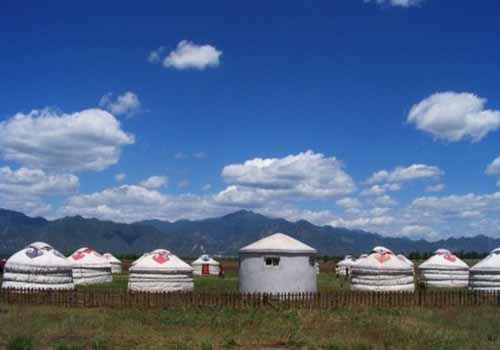 Kangxi Grassland, one of the 'Top 8 June destinations in China' by China.org.cn.