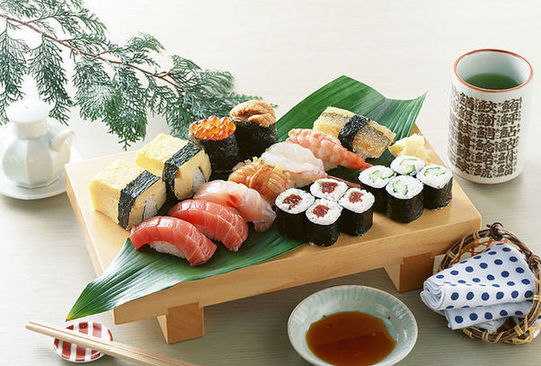 Japanese food, one of the 'Top 10 culinary honeymoon destinations' by China.org.cn.