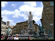 The Fountain of Neptune, the work by Bartolomeo Ammannati, is located in the Signoria Square in Florence. [Zhangfang/China.org.cn]