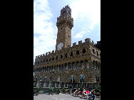 The bell tower in Uffizi Gallery. [Zhangfang/China.org.cn]