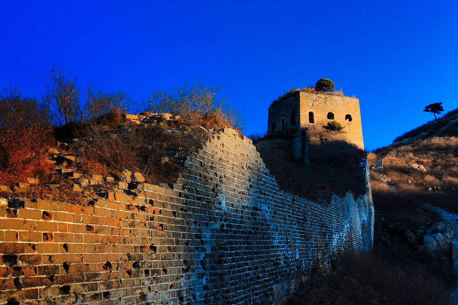 Jiumenkou Great Wall is the only section of the Great Wall over water. It is located in Suizhong county in Huludao and is the eastern portion of the Jizhen Great Wall from the Ming Dynasty