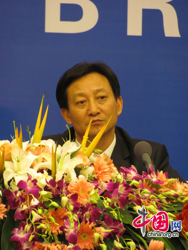 Jiang Jinquan gives his perspective into Hu Jintao's July 1 speech. [Photo by Lauren Ratcliffe]