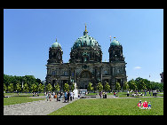 The Berliner Dom. The biggest and most impressive church in Berlin, built at the turn of the century (19th/20th). It&#8217;s located next to the museum island. [Zhang Fang/China.org.cn]