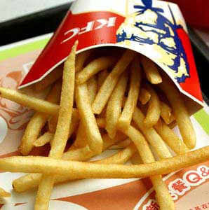 An employee at KFC in Beijing revealed that the oil used for French fries at the branch where he works is only replaced once every four days.