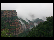 Mount Cangyan is a scenic area in Jingxing county, Hebei Province, famous for its combination of natural mountain scenery with historical man-made structures. It is located approximately 50 kilometers southwest of the provincial capital Shijiazhuang and close to the border with Shanxi Province.[山海川/bbs.fengniao]