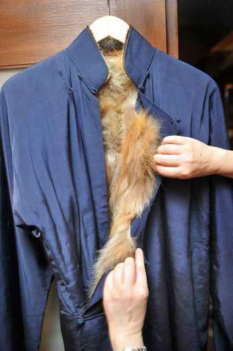 The most popular item to come under the hammer was a traditional coat that Lee wore to a pre-production photo shoot for 'Game of Death'.