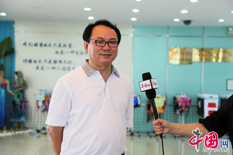 Du Benwei, acting mayor of Huludao City, is interviewed by China.org.cn.