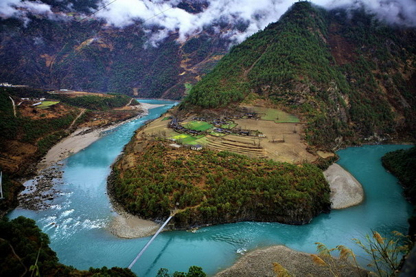 Nujiang Lisu Autonomous Prefecture, one of the 'Top 10 attractions in Yunnan, China' by China.org.cn.