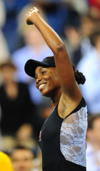 Venus Williams of USA defeated Vera Dolonts of Russia 6-4, 6-3 in women's singles 1st Round at the 2011 US Open. [Source:Sina.com]
