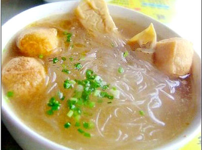 Fried toufu soup, one of the 'top 10 most famous Shanghai snacks' by China.org.cn.