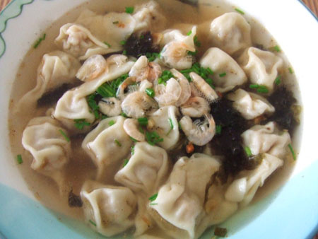 Wonton soup with three fresh delicacies, one of the 'top 10 most famous Shanghai snacks' by China.org.cn.