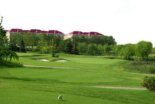 Shanghai Hongqiao Golf Club, one of the 'Top 10 golf clubs in Shanghai' by china.org.cn