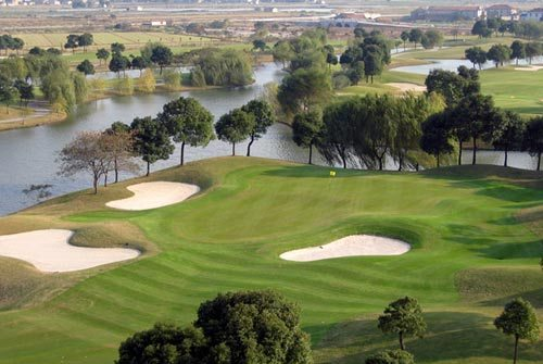Shanghai Links Golf and Country Club, one of the 'Top 10 golf clubs in Shanghai' by china.org.cn