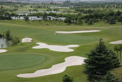 Shanghai Qizhong Golf Club, one of the 'Top 10 golf clubs in Shanghai' by china.org.cn